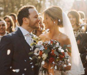 Einzigartige Hochzeitsbevorzugungen reflektieren Ihren speziellen Hochzeitstag